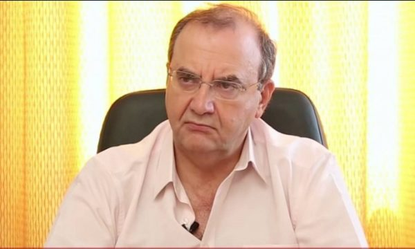 Δημήτρης Στρατούλης: «Σικέ» οι κοκορομαχίες ΣΥΡΙΖΑ – ΝΔ