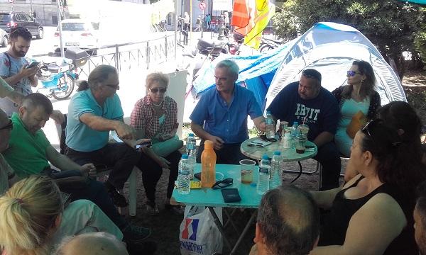 Συνάντηση Ν. Χουντή με τους απολυμένους συμβασιούχους των ΟΤΑ