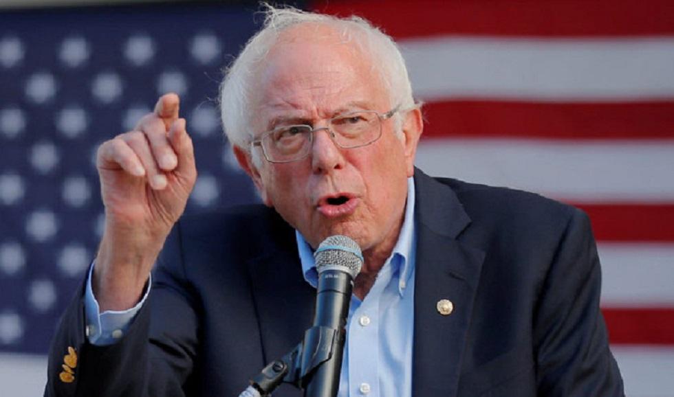 Ένα φάντασμα πλανάται πάνω από τις ΗΠΑ , το φάντασμα του Bernie Sanders