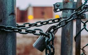 Η απόφαση της κυβέρνησης για κλείσιμο τώρα Δημοτικών και Νηπιαγωγείων αποτελεί απόδειξη της παταγώδους αποτυχίας της.