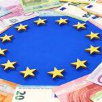 Οι θεατρικοί πανηγυρισμοί Μητσοτάκη και προέδρου της Ευρωπαϊκής Επιτροπής